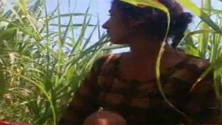 जवान लड़की की खेत मे चुदाई का वीडियो